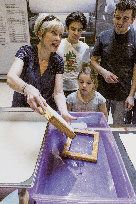 Les Ateliers - Fabriquez du papier- Atelier Musée de l'Imprimerie - Malesherbes